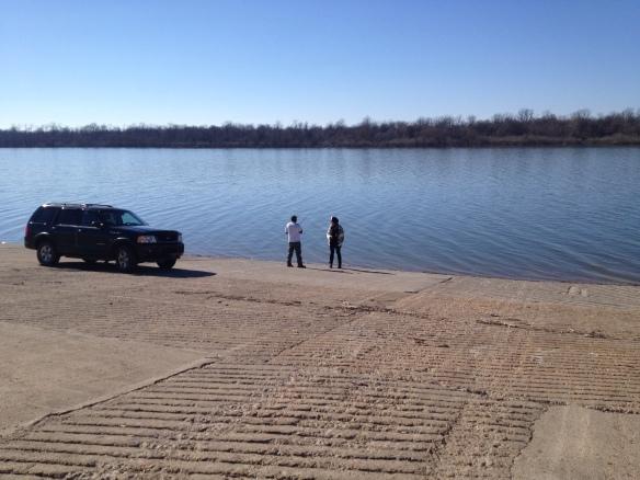 Misssissippi River. Enlig fisker, der blev forstyrret af to snakkesalige turister på gennemrejse